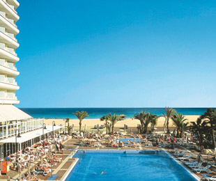 Fuerteventura, 1-2-FLY FUN CLUB Riu Oliva Beach Resort vom 2016-07-14 bis 2016-07-21, für 732,- Euro p.P.